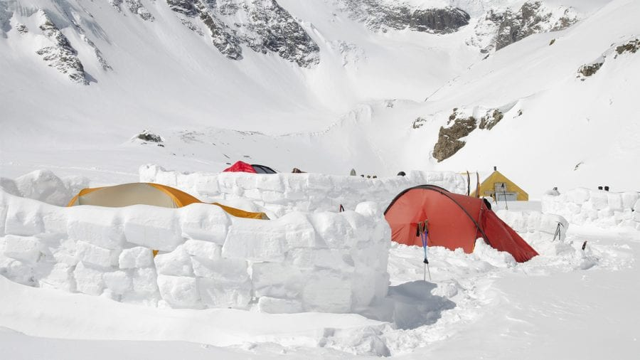 Build A Windbreak Out Of Snow